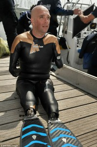 Philippe_Croizon_Armless_&_Legless_Man_Swims_22_Miles_(2)_1
